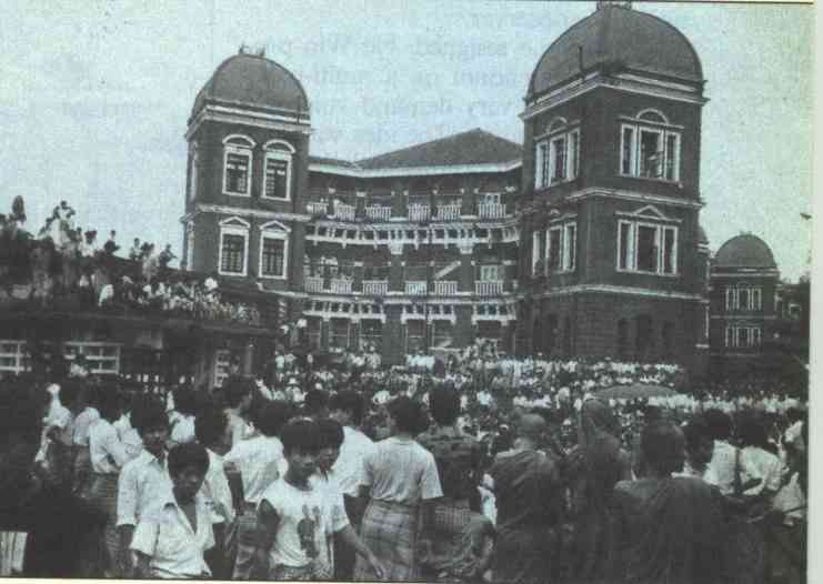 Rangoon General Hospital, public gathering for the wounded 1988